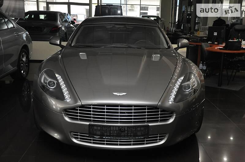 Aston Martin Rapide 2011 року