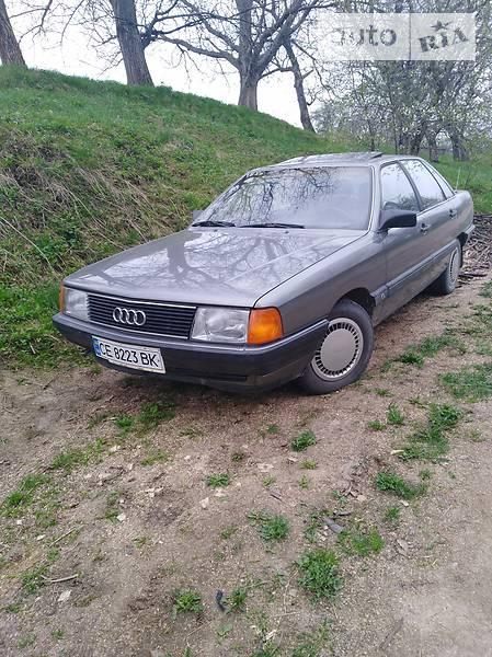 Audi 100 1986 года