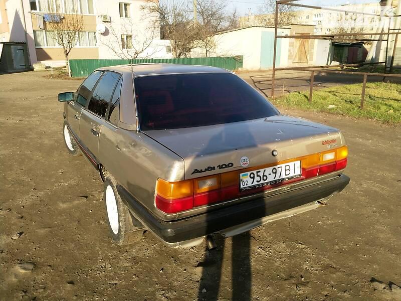 Audi 100 1988 в Ямполе
