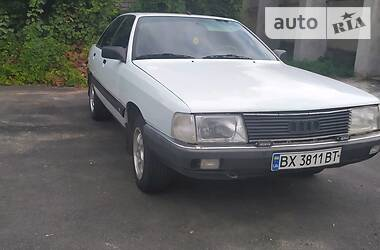 Седан Audi 100 1984 в Красилове