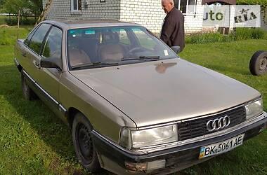 Седан Audi 200 1984 в Заречном