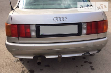 Audi 80 1987 в Рени