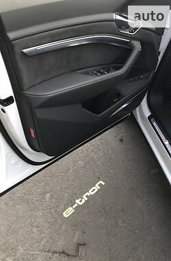 Позашляховик / Кросовер Audi e-tron 2020 в Києві