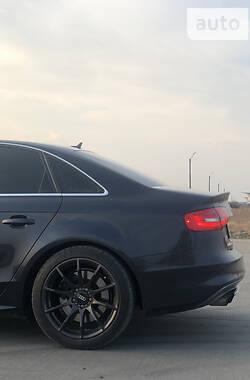 Седан Audi S4 2013 в Борисполі