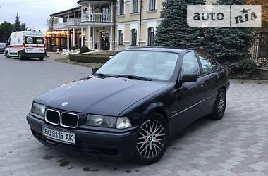 Седан BMW 318 1995 в Сарнах