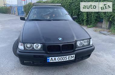 Седан BMW 325 1991 в Киеве
