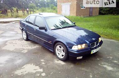 Седан BMW 325 1993 в Самборе
