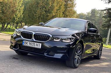 Седан BMW 330 2019 в Ровно