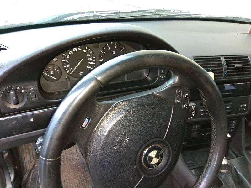 BMW 5 серия 2000 года в Донецке