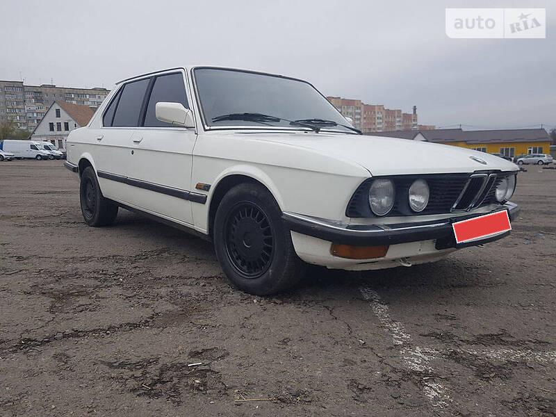 Седан BMW 520 1982 в Рівному