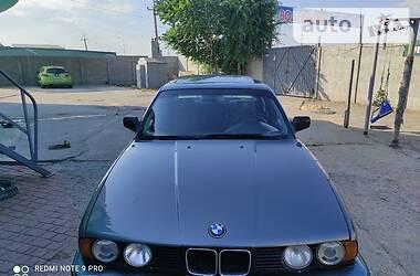 Седан BMW 520 1990 в Кирилловке