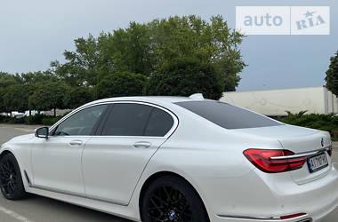 Седан BMW 730 2017 в Киеве