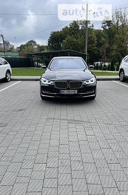 Седан BMW 730 2019 в Львові