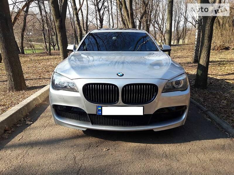 Седан BMW 740 2010 в Дніпрі