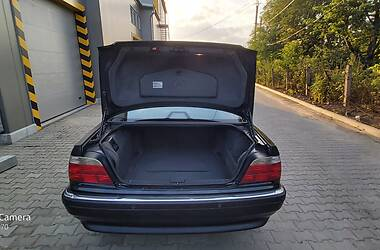 Седан BMW 740 2001 в Чернівцях
