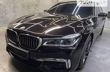 Седан BMW 750 2017 в Киеве