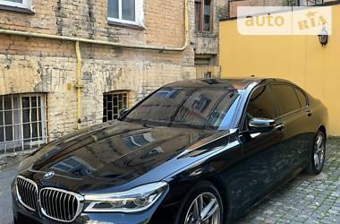 Седан BMW 750 2017 в Києві