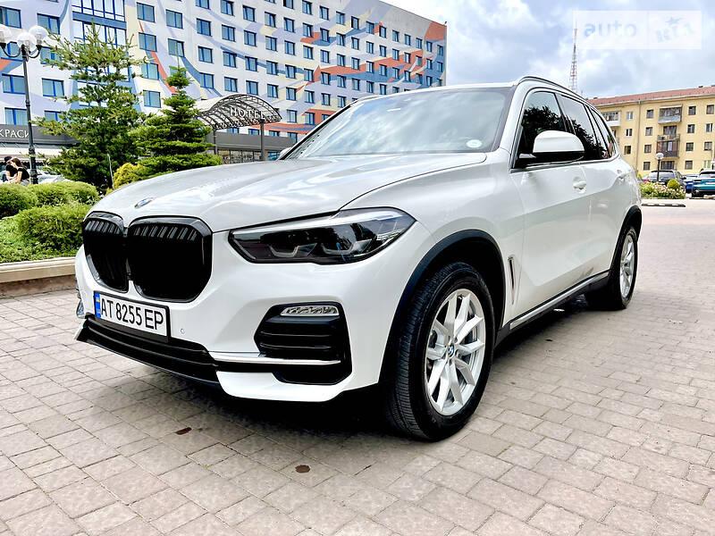 Позашляховик / Кросовер BMW X5 2019 в Івано-Франківську