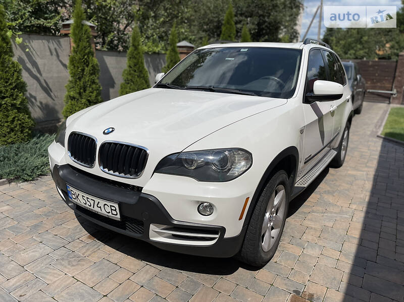 Внедорожник / Кроссовер BMW X5 2010 в Ровно