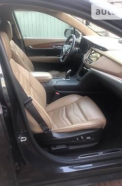 Внедорожник / Кроссовер Cadillac XT5 2016 в Киеве