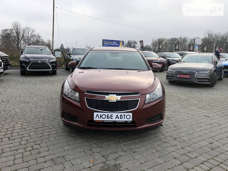 https://cdn2.riastatic.com/photosnew/auto/photo/chevrolet_cruze__367019337f.jpg