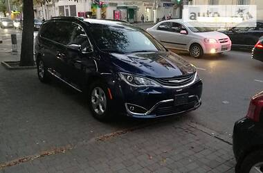 Chrysler Pacifica 2017 в Одесі