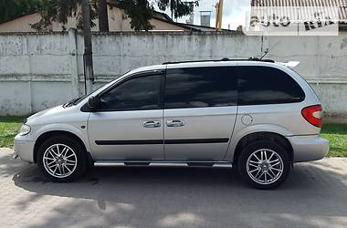 Минивэн Chrysler Voyager 2005 в Теофиполе