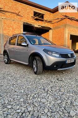 Dacia Sandero StepWay 2012 в Черновцах