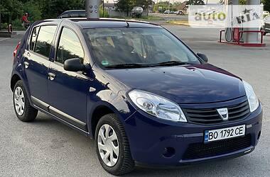 Хэтчбек Dacia Sandero 2009 в Бучаче