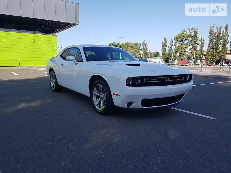 Купе Dodge Challenger 2017 в Києві