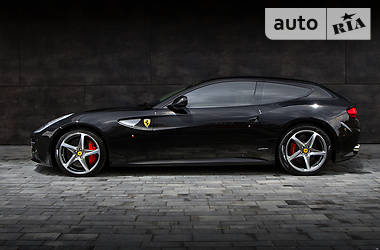 Ferrari FF 2013 в Киеве