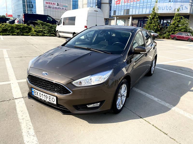 Хэтчбек Ford Focus 2015 в Черновцах