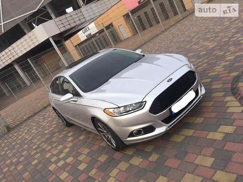 Седан Ford Fusion 2015 в Львові