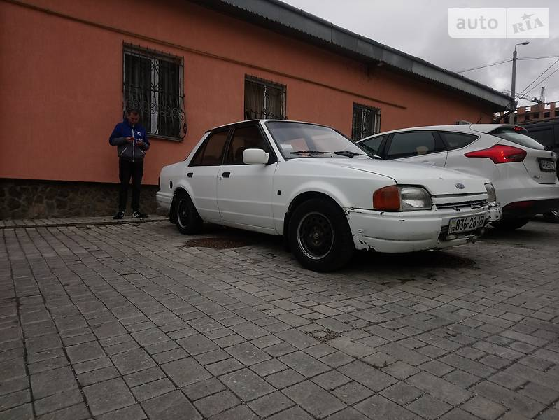 Ford Orion 1990 в Галиче