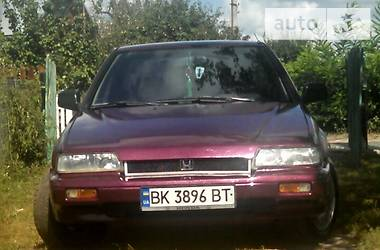 Honda Accord 1990 в Остроге