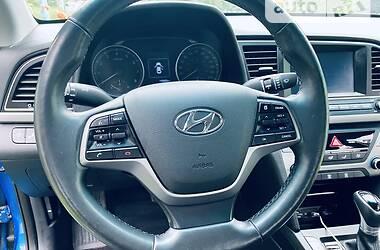 Седан Hyundai Elantra 2017 в Киеве