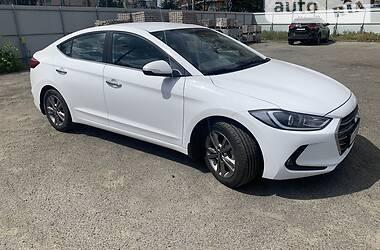 Седан Hyundai Elantra 2018 в Киеве
