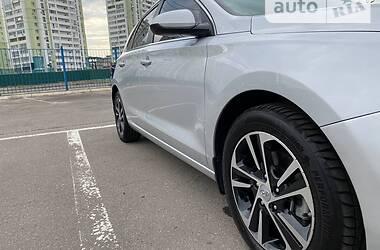 Хетчбек Hyundai Elantra 2018 в Дніпрі