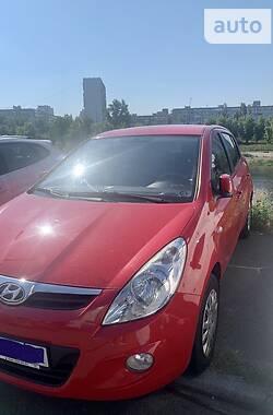 Хэтчбек Hyundai i20 2012 в Киеве