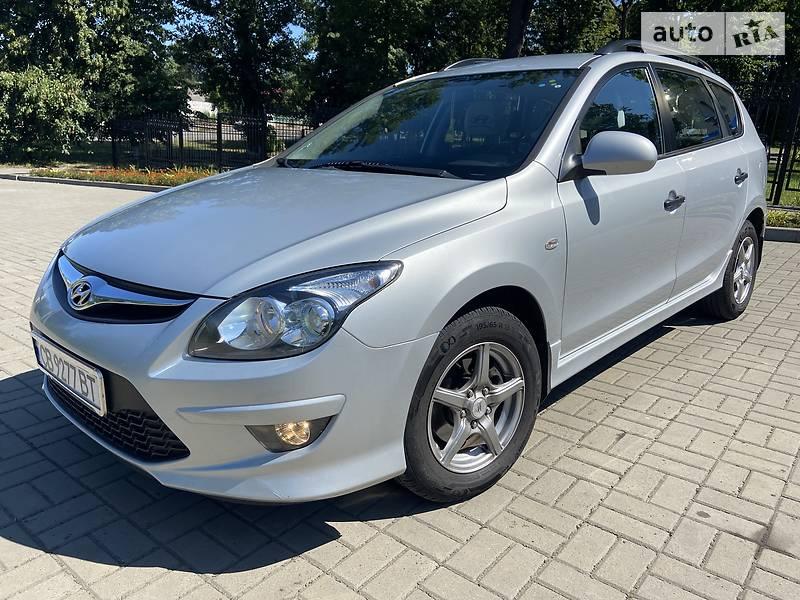 Универсал Hyundai i30 2011 в Прилуках