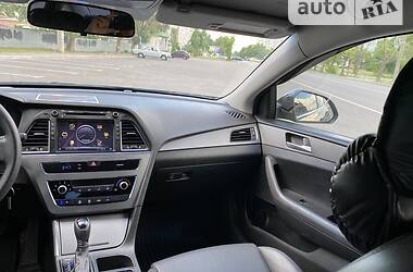 Седан Hyundai Sonata 2016 в Энергодаре