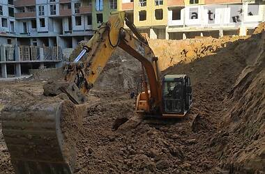 Другая строительная техника JCB JS 220 2009 в Киеве