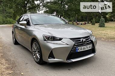 Lexus IS 200t 2017 в Киеве