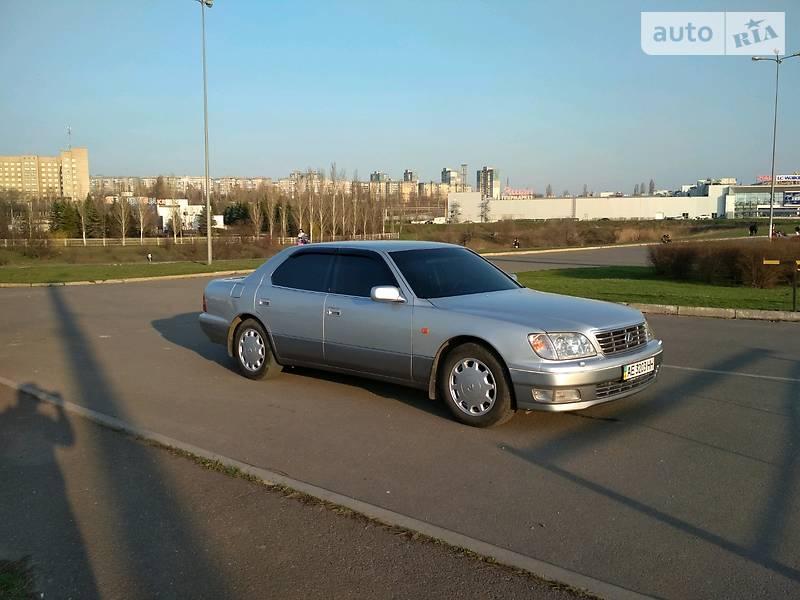 Lexus LS 400 1998 в Кривом Роге