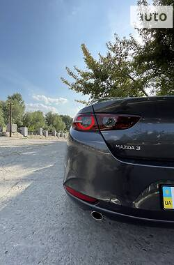 Седан Mazda 3 2019 в Чернигове