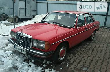 Mercedes-Benz 190 123 2.0 Diesel 1976