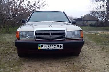 Mercedes-Benz 190 1987 в Саврани