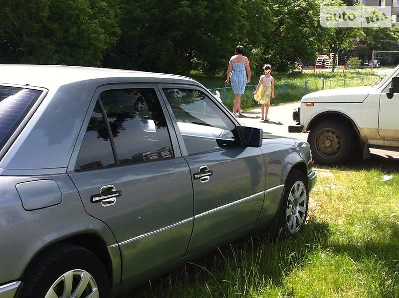 Mercedes-Benz 200 1988 в Киеве