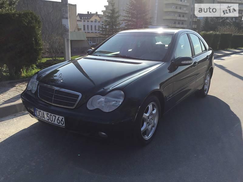 Mercedes-Benz 220 2003 в Трускавці