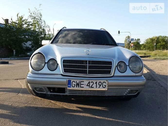 Mercedes-Benz 220 1999 в Сєверодонецьку